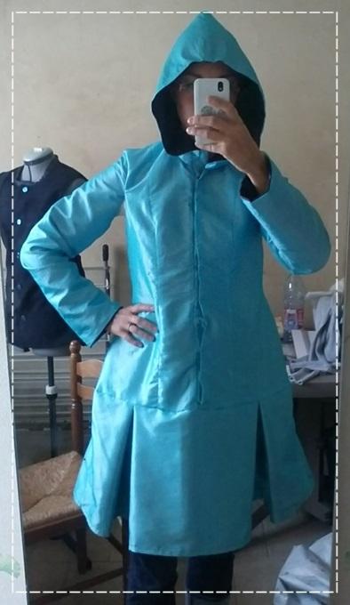 Enfin terminé avec le plus gros de la robe en taffetas